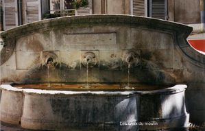 Fontaine-Notre-dame.jpg