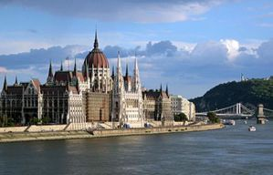 budapest_parlament-2.jpg