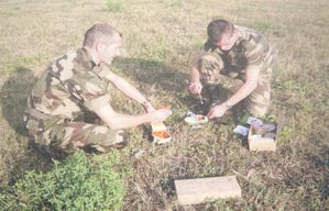 RCIR- CdC, Soldats en train de tester les rations