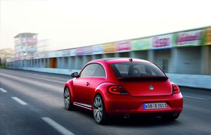 0015-2011-volkswagen-new-beetle-officiel-151.jpg