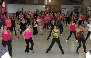 Du-monde-pour-lutter-contre-le-cancer-en-dansant.jpg