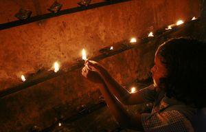 tsunami-sri-lanka-lampe-a-huile-hommage pics 809