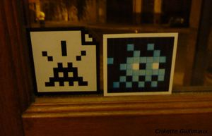 autocollant-space-invaders.jpg