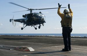 HAL-Chetak-04-2012 photo US Navy