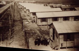 Camp-concentration-Tsiganes-Montreuil.jpg