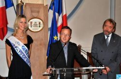 une-ch-tiote-couronnee-miss-france-le-r-749504.jpg