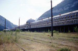 Cote-francais-gare-de-Canfranc.jpg