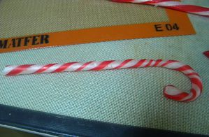 candy-canes-8.jpg