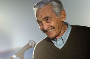 howard zinn-450x297