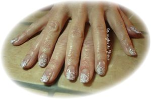 blog.french-biais-rose-clair.-Nailart-dentelle-blanc1.jpg