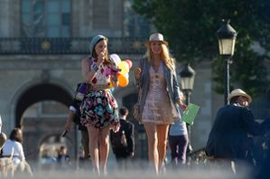 526847_gossip-girl-in-paris.jpg