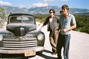 Sam-Riley-et-Garrett-Hedlund-c-Gregory-Smith.jpg