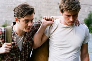 Sam-Riley-et-Garrett-Hedlund-c-Gregory-Smith2.jpg