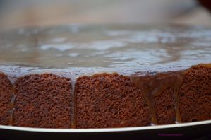 Gateau moelleux dattes sauce toffee 3
