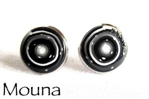 Boucles puces Noir et blanc 4 DISPONIBLE: 10 euros.
