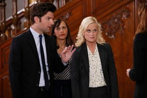 Parks-And-Recreation-Season-4-Episode-21-Bus-Tour---TV-Re.jpg