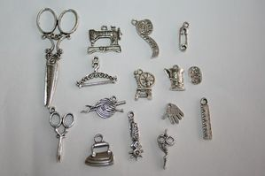 charms-broderie-argent.jpg