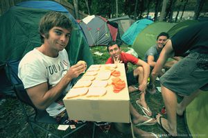 17. Au camping