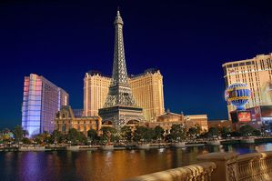 Las_Vegas_Paris_By_Night-gamut.jpg
