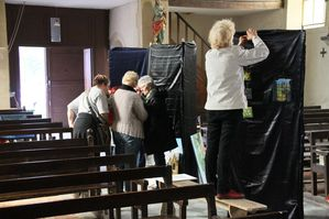 Installation-Exposition Peinture-Ardennes-Montcorn-copie-3