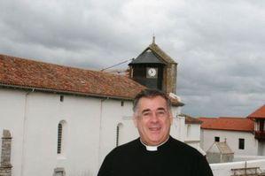 Abbé Hayet et église de Bidart.