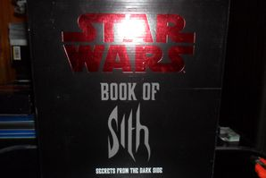 Collection n°182: janosolo kenner hasbro - Page 2 Book-of-the-sith-devant