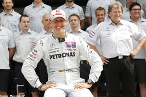 Mercedes GP - Michael Schumacher-copie-2