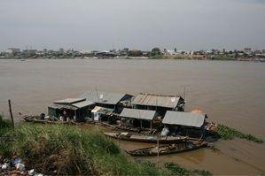 le long du Tonlé Sap