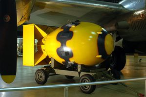 800px-Fat_Man_-National_Museum_USAF-.jpg
