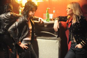 the-runaways-movie-image-5.jpg