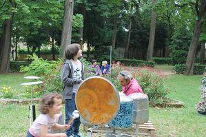 Tank-drum-et-enfants.JPG