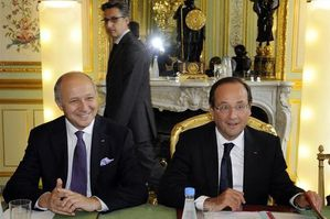 449323-france-s-president-hollande-and-foreign-affairs-mini