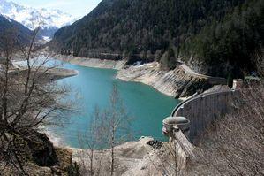 lac et barrage de Fabrèges1-800
