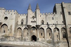 avignon-popes-palace-5