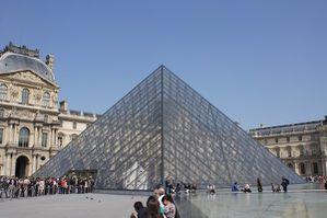 La pyramide du louvre pierre - Pyramide du louvre construction ...