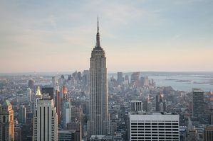 800px-NYC_Empire_State_Building.jpg