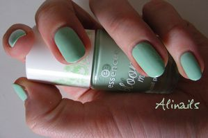 Essence BLOOM ME UP 01 Blow my mint 2