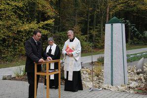 WaldfriedhofLebensflussSegnung Buergermeister Juer-Kopie-1