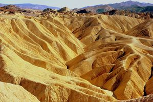 800px-Zabriskie_Point.jpg