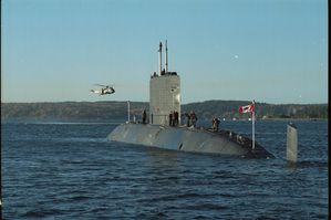 HMCS Victoria SSK-876 photo4 DND