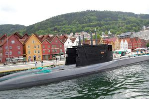 submarines-S304-Uthaug-and-S305-photo-Petr--merkl-Wikipedi.JPG