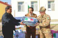 afghanistan-militari-italiani-consegnano-attrezzature-medic.jpg