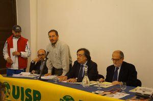 Vivicittà 2013 (30^ ed.). La carica dei 10.000 e Rachid Berradi testimonial. Il 4 aprile l'affollata conferenza stampa