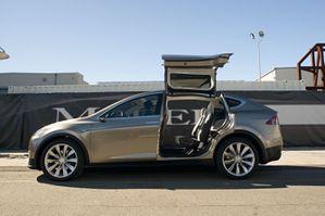 Tesla_Model_X_003.jpg