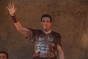 crassus-3x06-war-of-the-damned.jpg