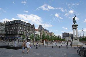 clermont-ferrand-place-jaude-puy-dome-L-1.jpeg
