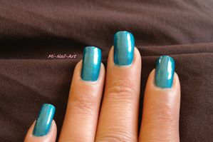 Swatch OPI Yodel me on my cell 1