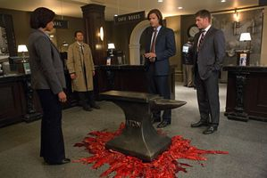 Supernatural-Season-8-Episode-8-Hunteri-Heroici-5.jpg