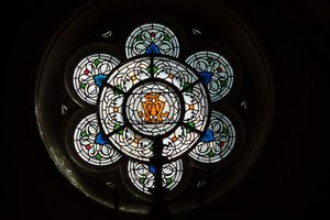 800px-Ambronay_Notre-Dame_rosace_116.JPG