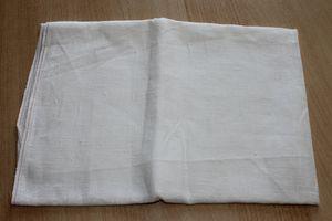 Vide-Tiroir 2832 blanc cassé 66x76cm 3eur et 24x25cm 1eur